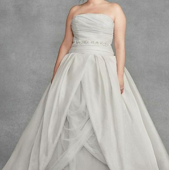 Vera Wang sterling wedding dress plus size